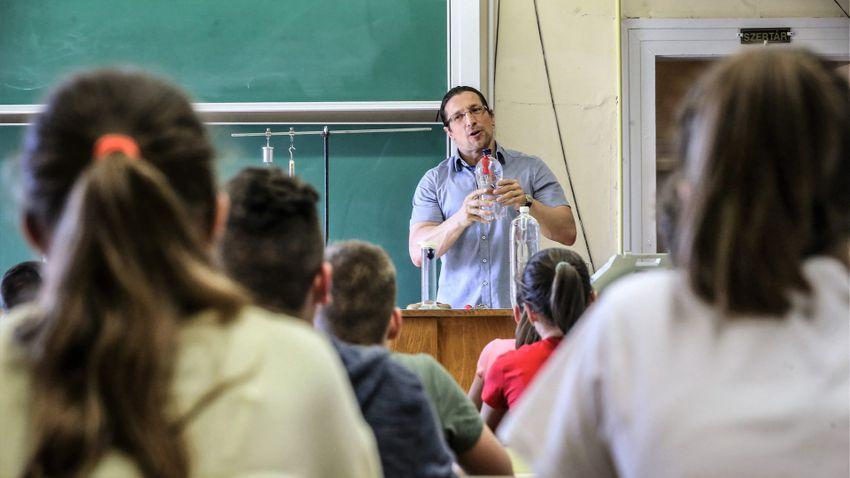 Enyhítheti a pedagógushiányt a szeptembertől felálló iskolaőrség