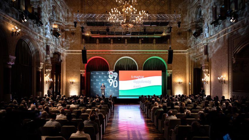 Orbán Viktor: Harminc éve szabadon