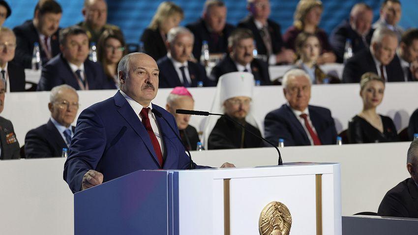 Erőszakossá fajult a migránsválság a litván–belarusz határon