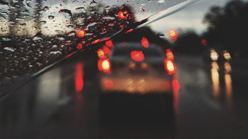Ilyen veszélyes sofőrt még nem látott + videó