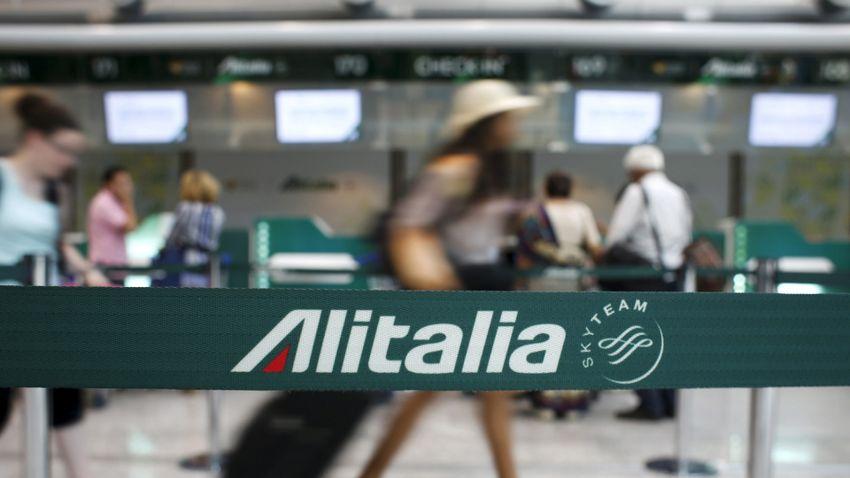 Mégis tovább szárnyalhat az Alitalia