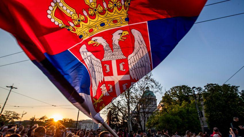 Szerbia korán ivott a medve bőrére