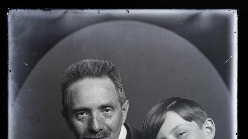 Lélekbelátó portrék törékeny üveglemezeken