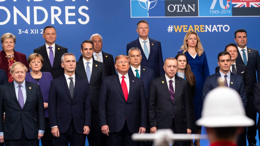 Orbán Viktor: A NATO végre kimondta, hogy a tömeges migráció biztonsági kihívást jelent