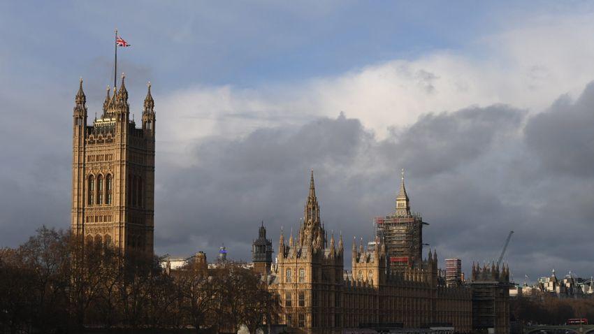 Már biztos, hogy késik a nyitás az Egyesült Királyságban