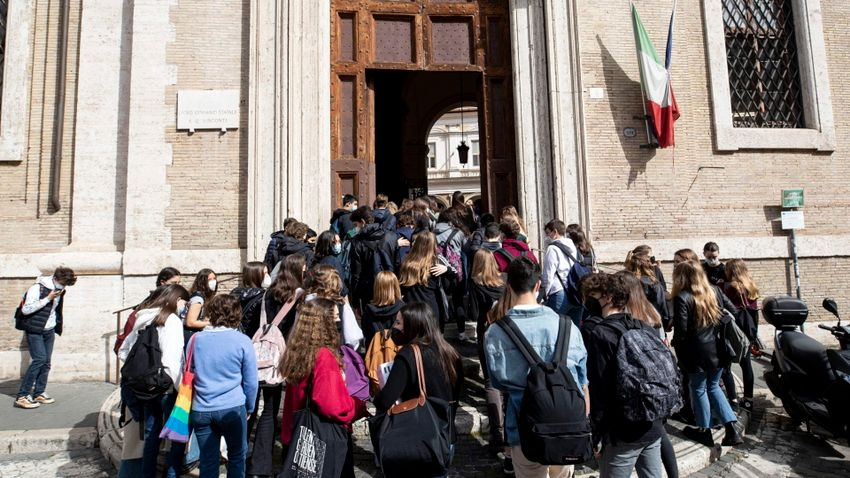 Pozitív megkülönböztetésben részesítené az olasz baloldal a bevándorlókat