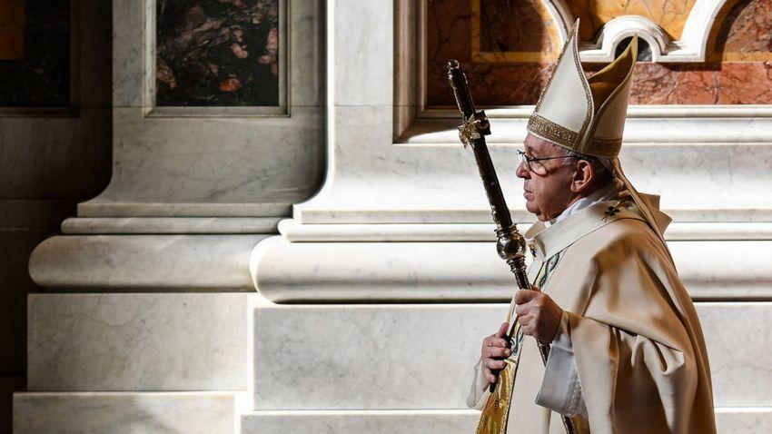 Ferenc pápa erős támasz