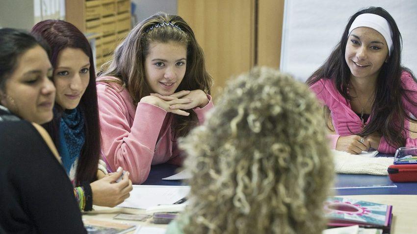 Még lehet jelentkezni a 44. Kárpát-medencei Középiskolás Irodalmi Pályázatra