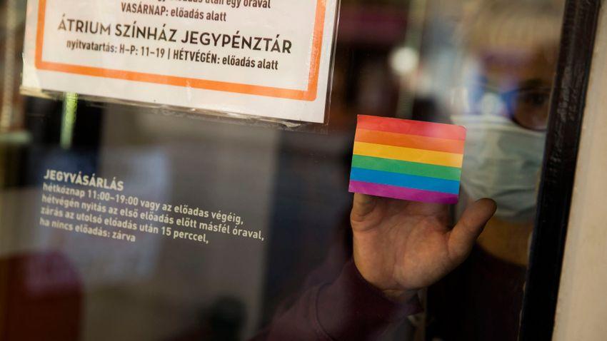 Micsoda család! – újabb mesekönyvvel érzékenyítene az LMBTQ-lobbi
