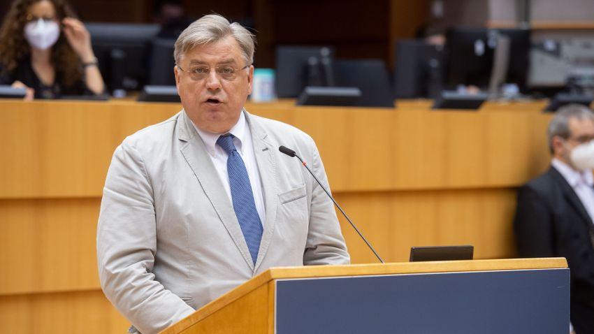 Kosma Złotowski: Ez a lengyel és magyar ellenzék terve