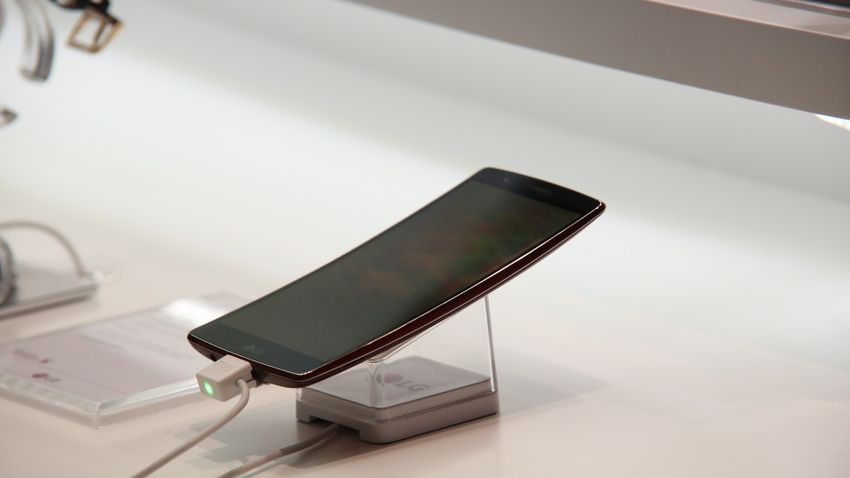 Háromévnyi frissítést ígér a mobiljaira a koreai gyártó