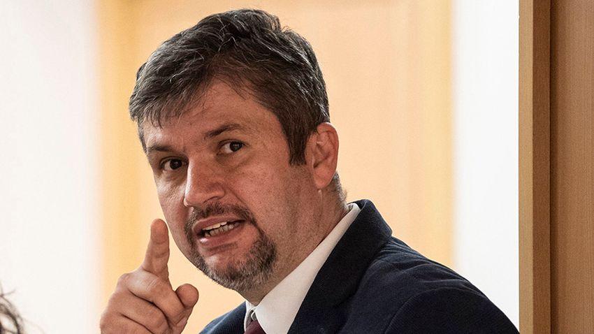 Kiborult az MSZP Hadházy Ákos momentumos jelölése miatt