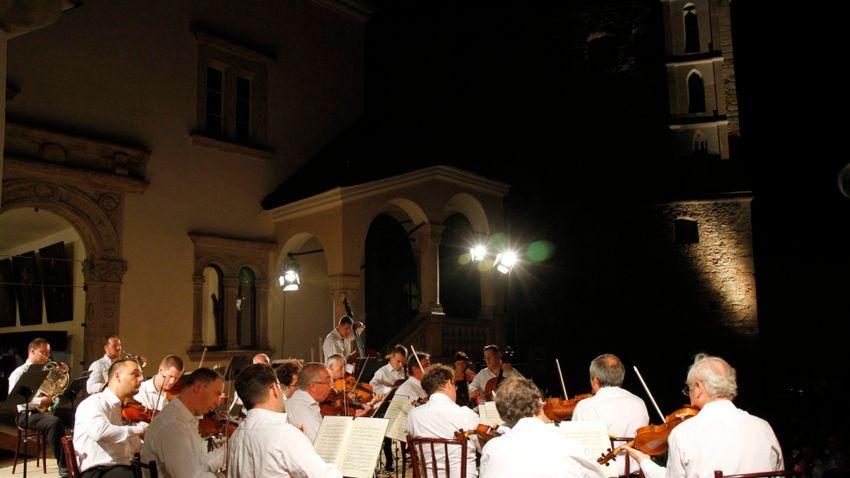 Jótékonysági hangversennyel segít a Liszt Ferenc Kamarazenekar