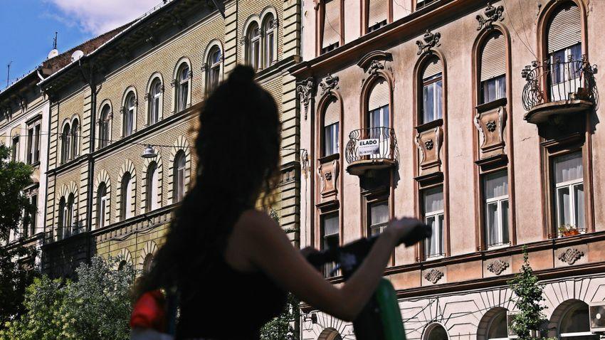 Stagnáló ingatlanpiac, népszerűbbek a felújítandó otthonok