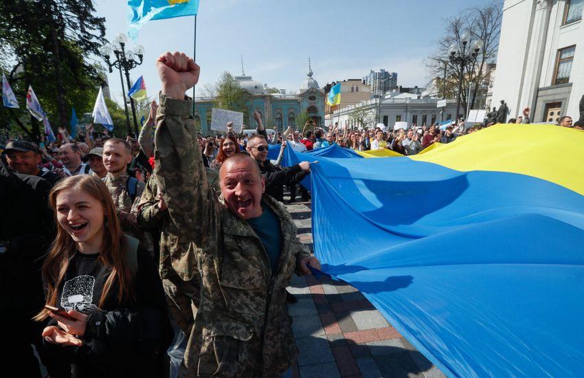 Szabadulna Kijev a cirill betűs ábécétől