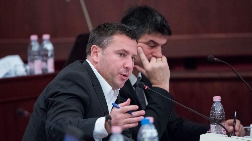 Láng Zsolt: A főpolgármesternek ideje lenne a munkájával foglalkoznia!