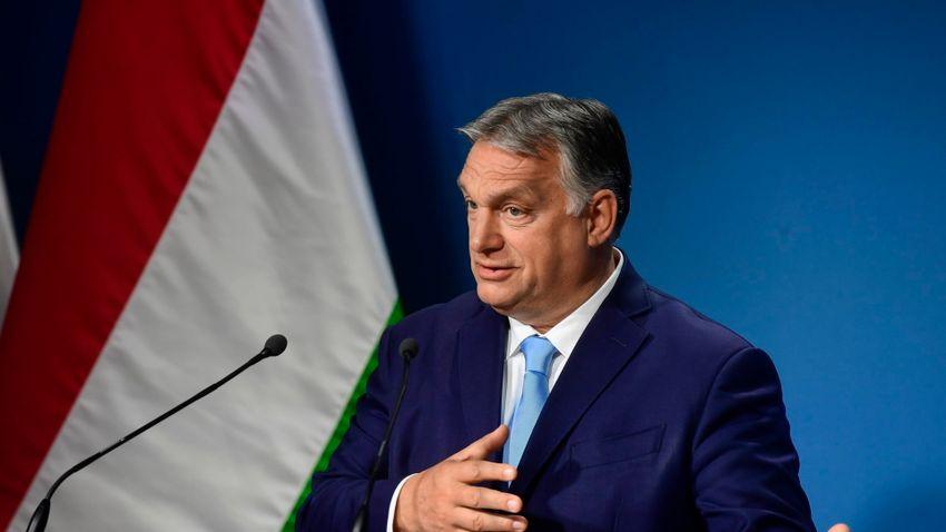 Orbán Viktor: A kormány engedélyezi a 12–16 évesek oltását