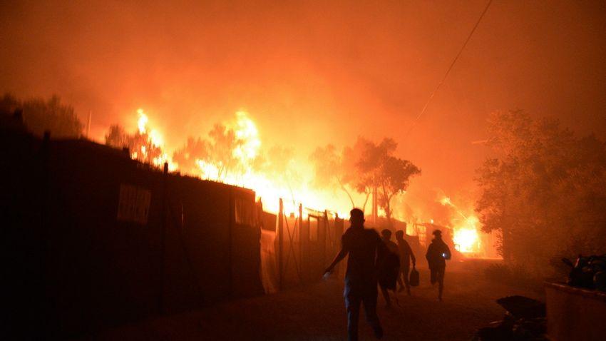 Megint leégett egy migránstábor Görögországban
