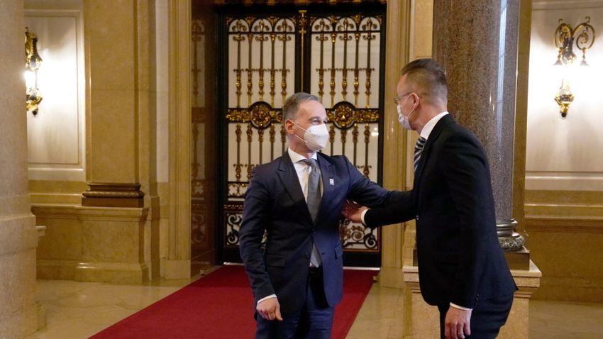A magyar elnökség lehetőséget ad a kelet-nyugati párbeszédre