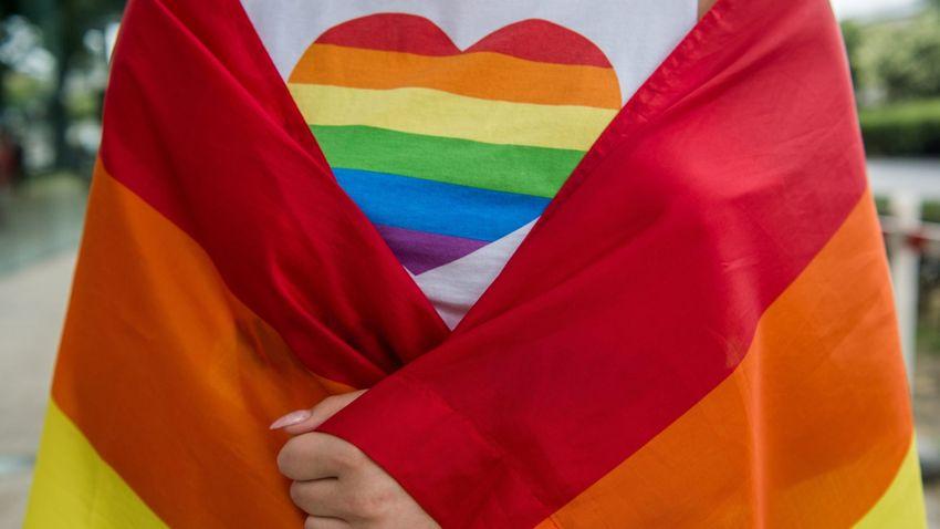 LMBTQ-érzékenyítés és droglobbi a baloldali fesztiválokon
