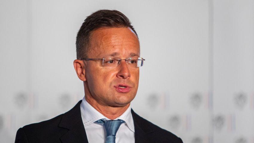 Szijjártó Péter: Véleménydiktatúrát épít a liberális fősodor