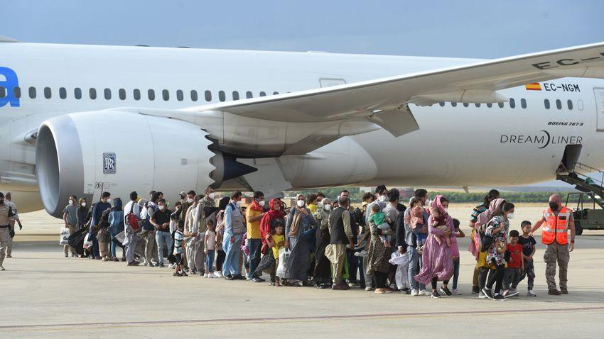 Afgánokat telepítenének be egy 2001-es uniós irányelv alapján