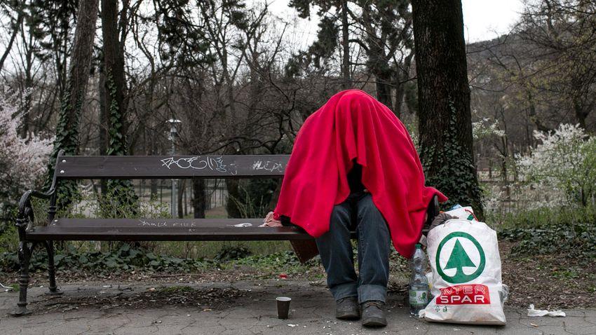 """Óbudai hajléktalanok: """"Uniós magyar állampolgárok vagyunk"""""""