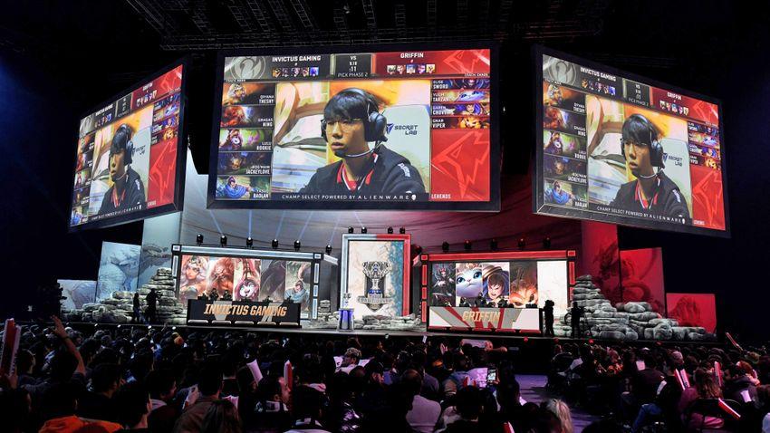 Heti három órát játszhatnak online a kínai fiatalok