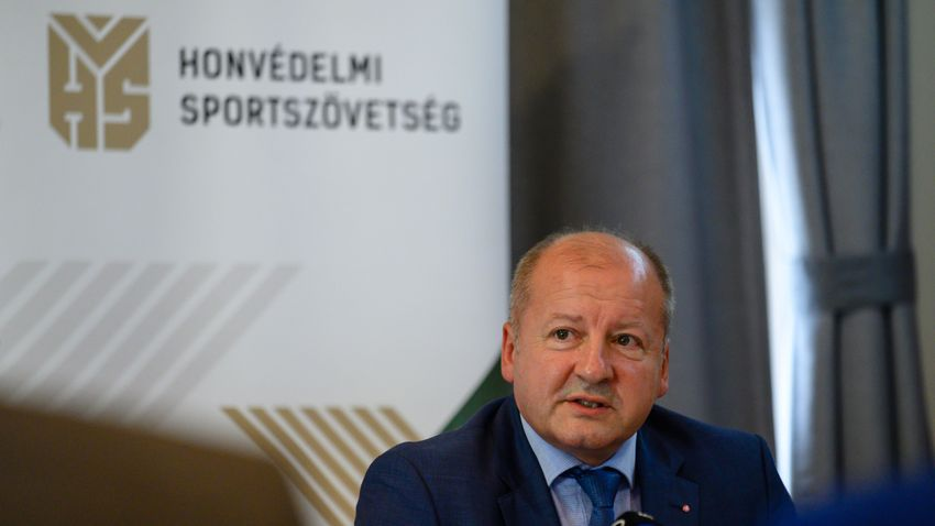 Simicskó István: Mára folyamatos támadás alatt állunk
