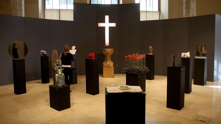 Kortárs alkotók viszonyulása az eucharisztiához