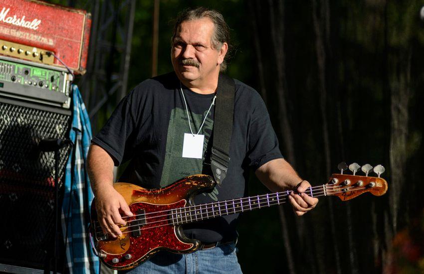 Elhunyt Póka Egon basszusgitáros, zeneszerző