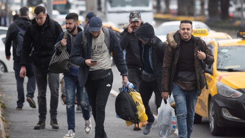 Lapozó: Hollandia tízezrével honosít szíriaiakat