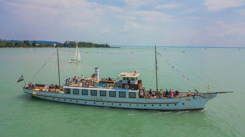 Látványos programokkal búcsúzik az idei balatoni hajózási szezon