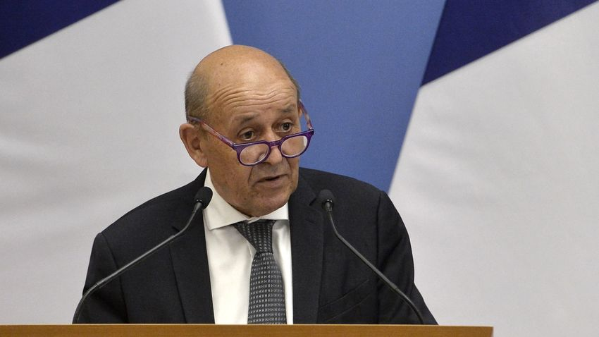 Folytatódik a francia–ausztrál diplomáciai csatározás