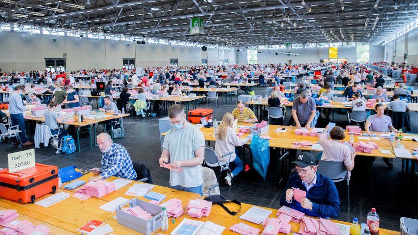 Az előzetes adatok alapján a szociáldemokraták győztek Németországban