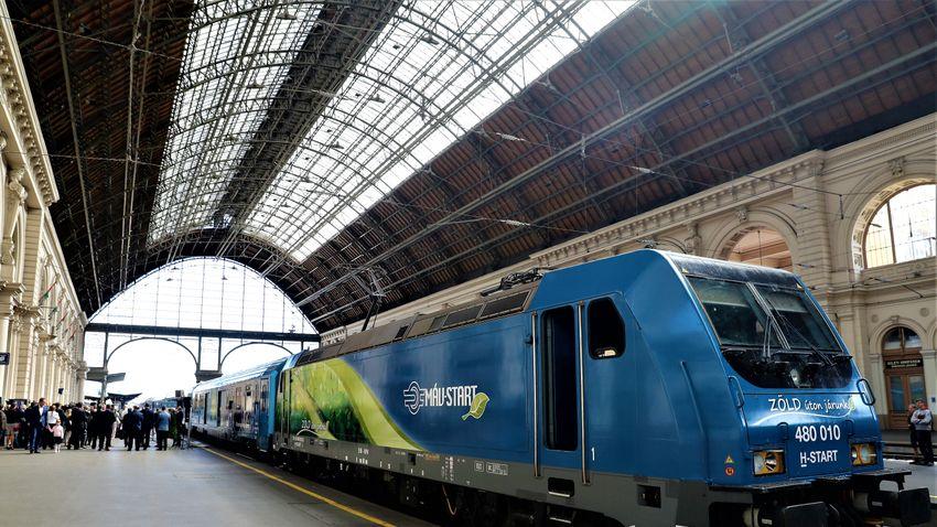 Befutott a Keletibe Európa zöldvonata