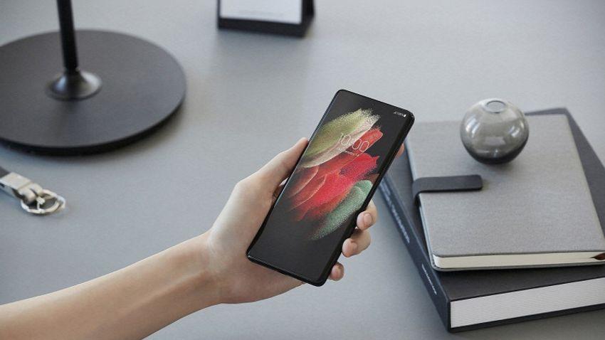 Ezekre a Galaxy-mobilokra jöhet az Android 12