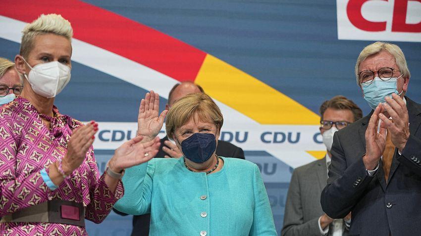 """""""Vége Angela Merkel becsontosodott rendszerének"""""""