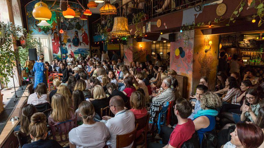 Idén először Budapest mellett Veszprémben is megrendezik a Kávéházak éjszakáját