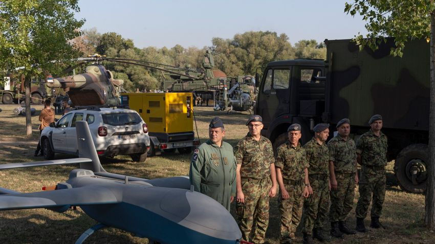 Elsőfokú készültségbe helyezték a szerb hadsereget
