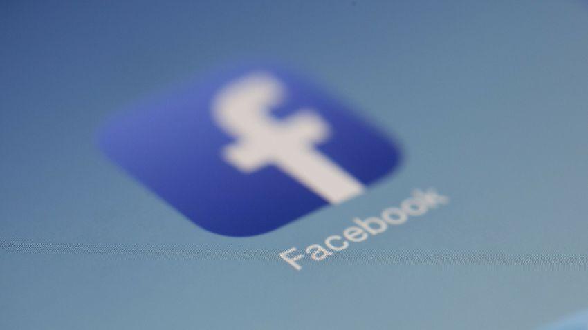 Újabb áldozatot szedett a Facebook-cenzúra