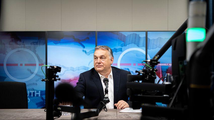 Béremelések sorát jelentette be Orbán Viktor