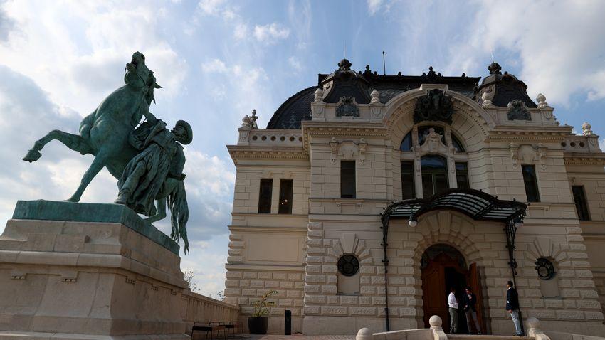 Határidőt megelőző felújítás a Budai Várban – Elkészült a Királyi Lovarda
