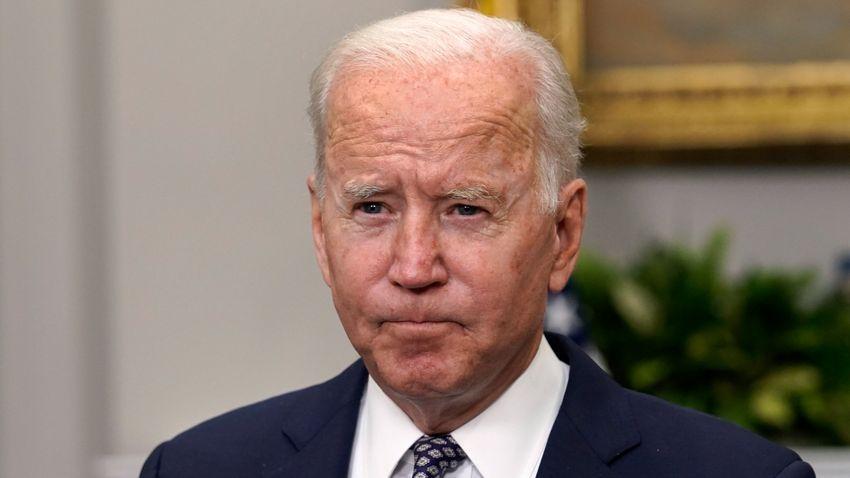 Biden kötelezővé teszi a szövetségi alkalmazottak és a kormánynak dolgozók számára a védőoltást