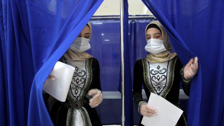 A kormányzó Egységes Oroszország nyerte meg a választásokat
