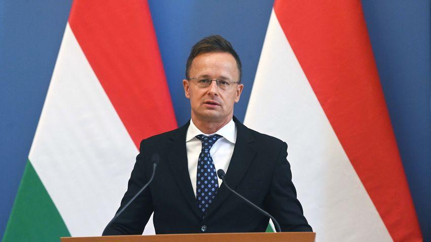 Mitt Romney durva támadást intézett Magyarország ellen