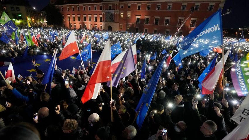 A lengyel alkotmánybíróság üzenete