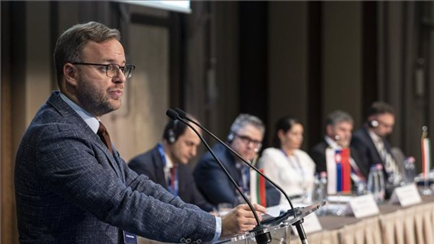 Orbán Balázs: Az innováció erősítheti szuverenitásunkat