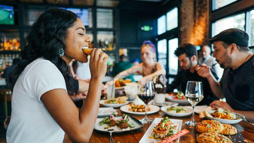 A rendszertelen táplálkozás összezavarhatja szervezetünk belső óráját