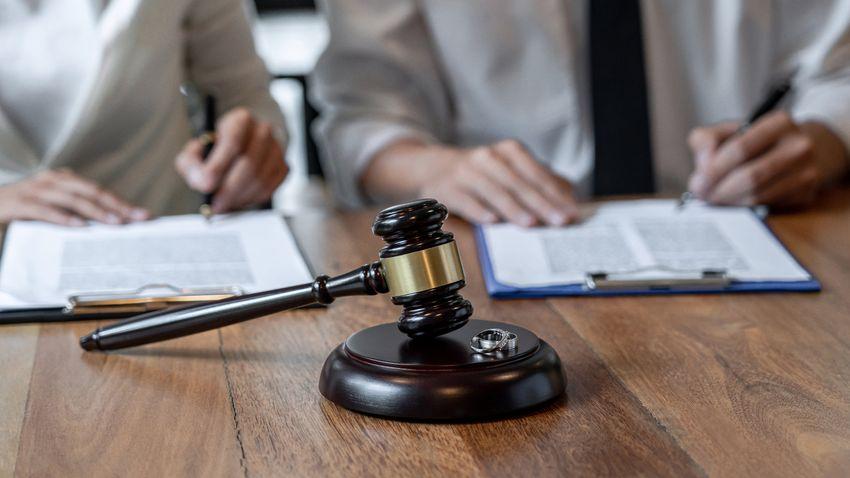Válás után gyermekelhelyezés: változnak a jogszabályok